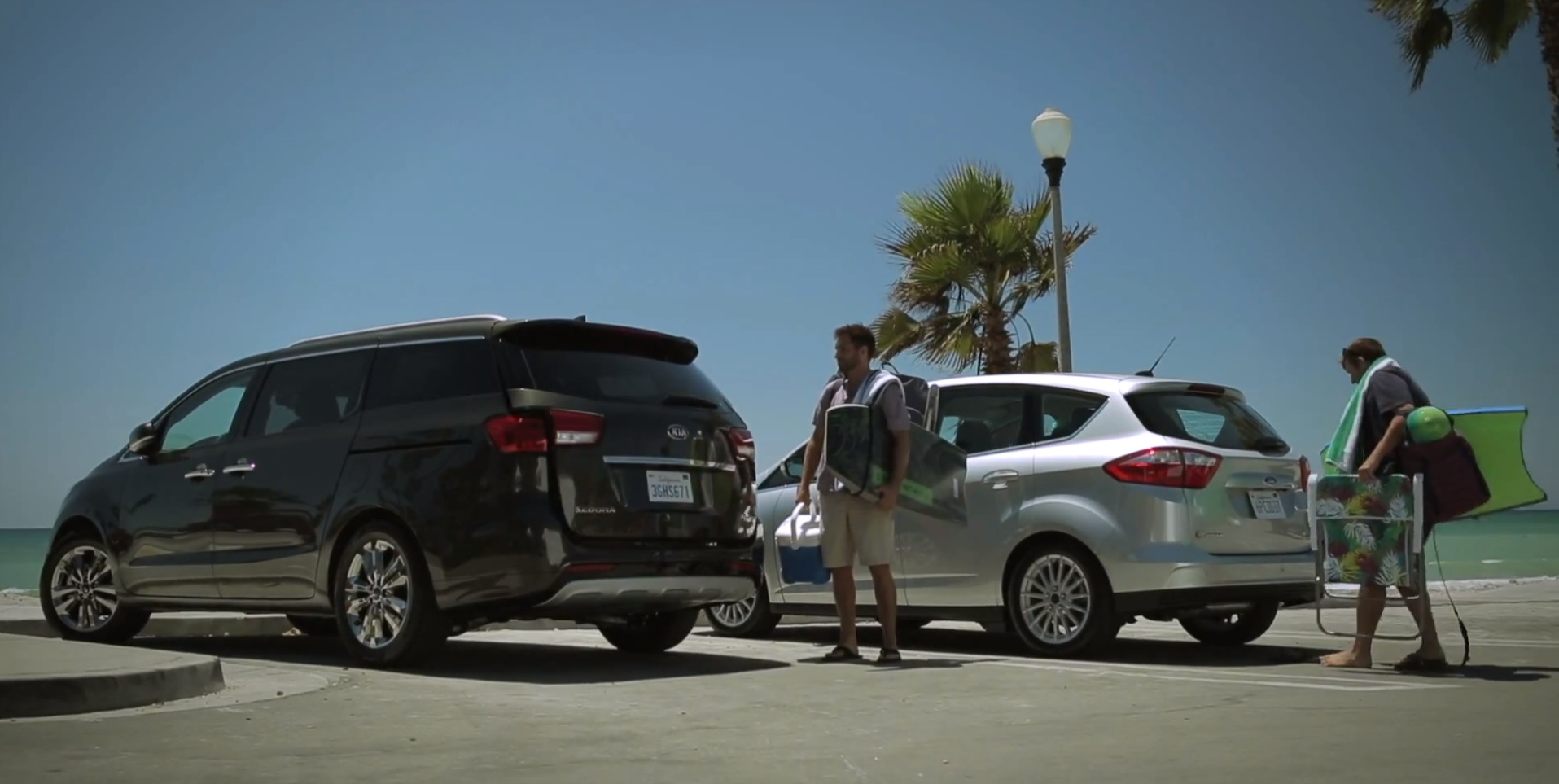 Kia Sedona Commercial Makes Fun Of Ford C Max Powered Liftgate Video on 2014 Ford Focus Battery