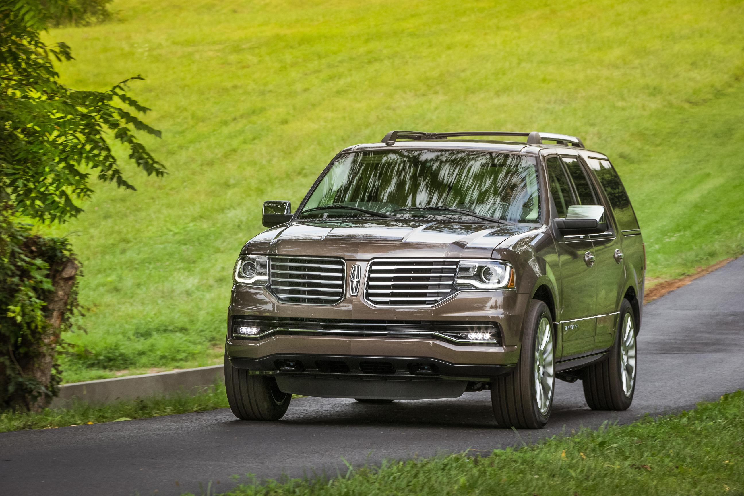 Best 3 Row Luxury Suv >> 2015 Lincoln Navigator Pricing Starts at $62,475 - autoevolution