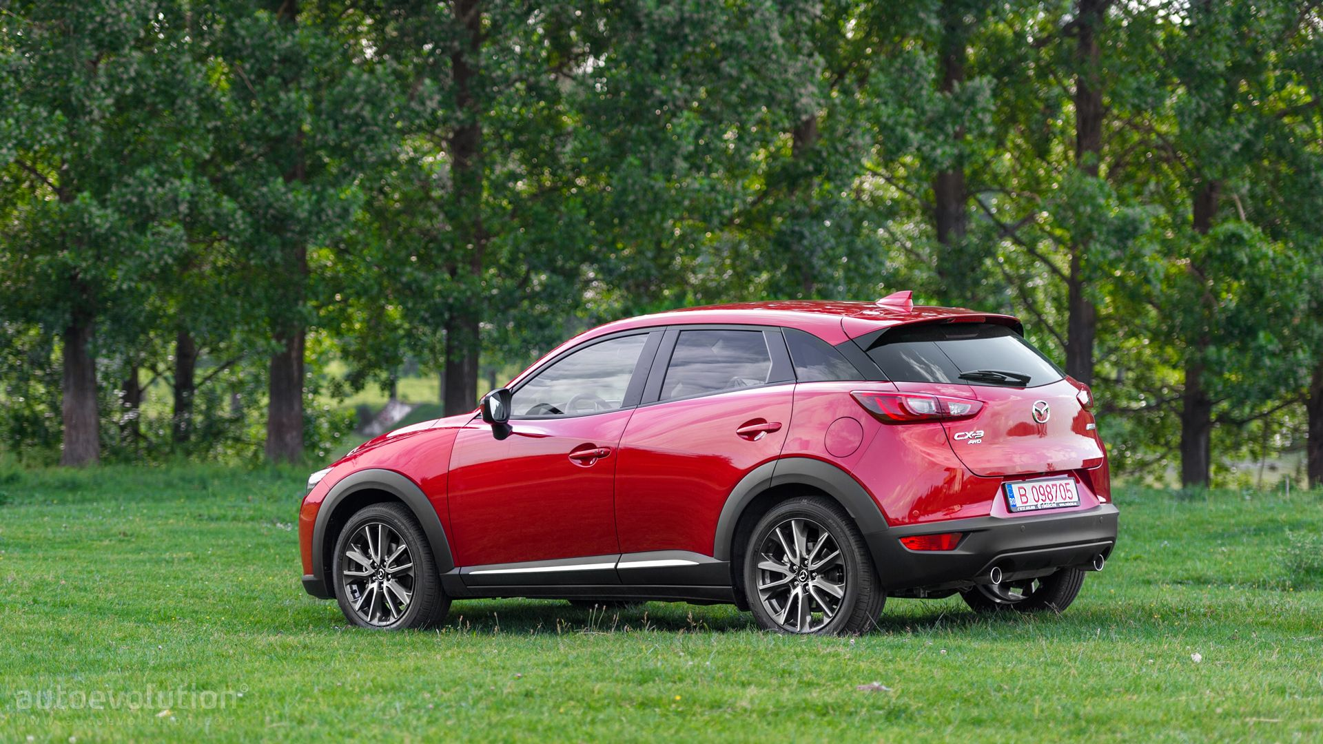 2015 mazda cx 3 hd wallpapers kodo lady in red. Black Bedroom Furniture Sets. Home Design Ideas