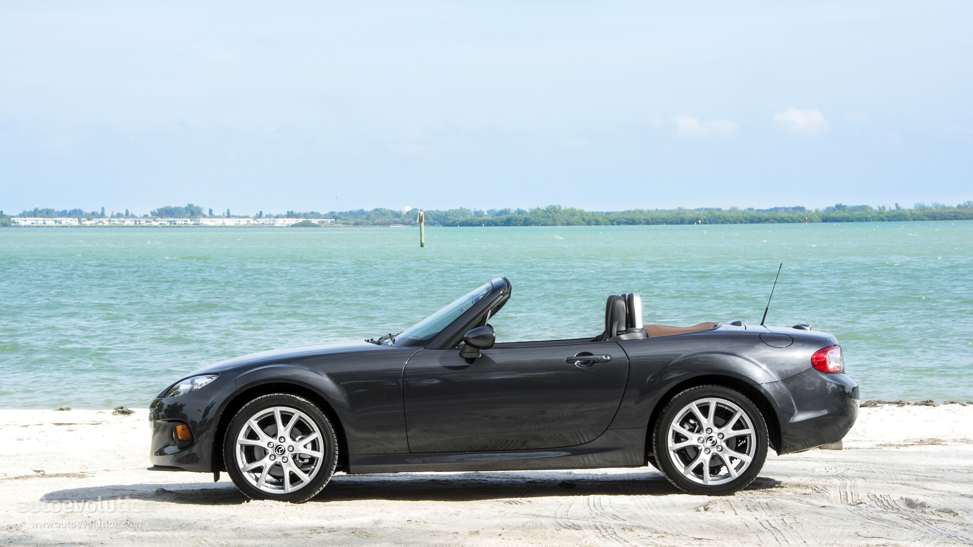2015 Mazda MX-5 Miata HD Wallpapers