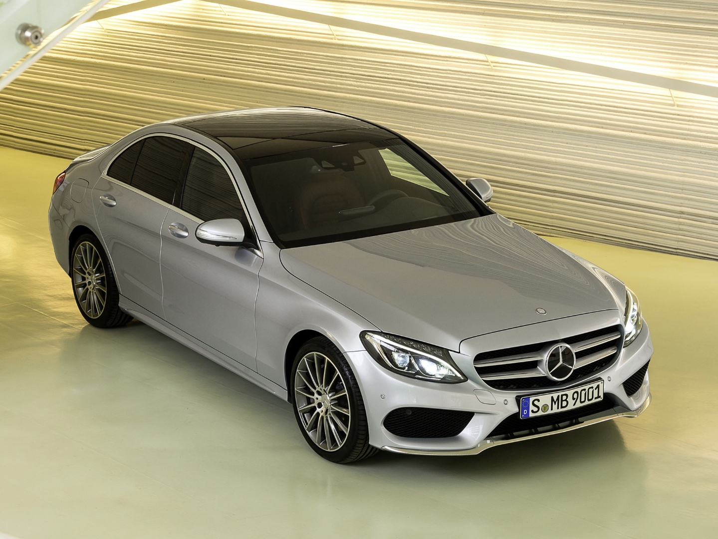 2015 mercedes benz c class w205 gets priced in the uk autoevolution. Black Bedroom Furniture Sets. Home Design Ideas