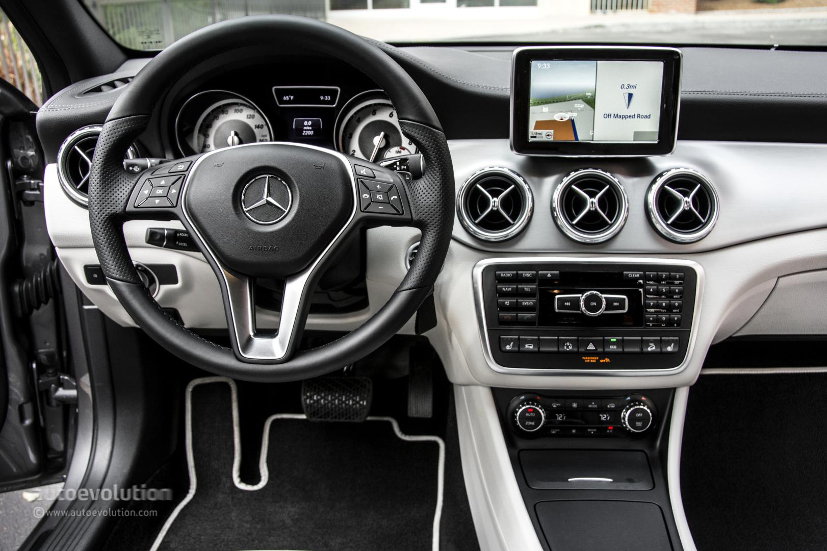 2015 mercedes benz gla250 4matic hd wallpapers autoevolution for Mercedes benz gla class interior