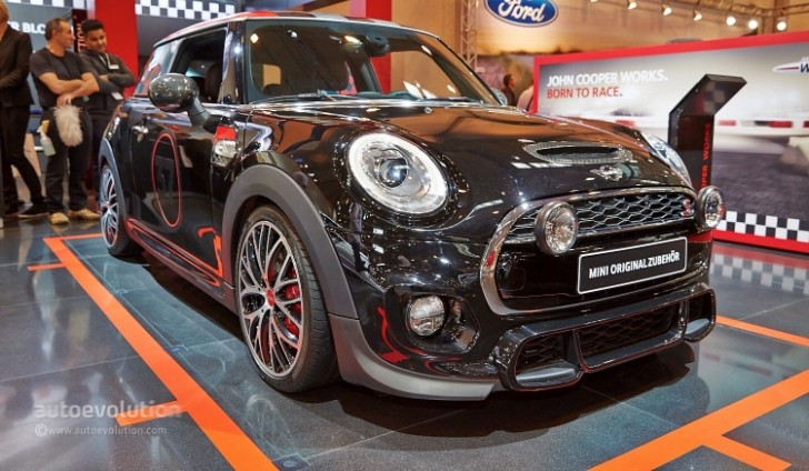 2015 Mini Cooper S Gets 211 Hp With Jcw Tuning Kit At Essen Live