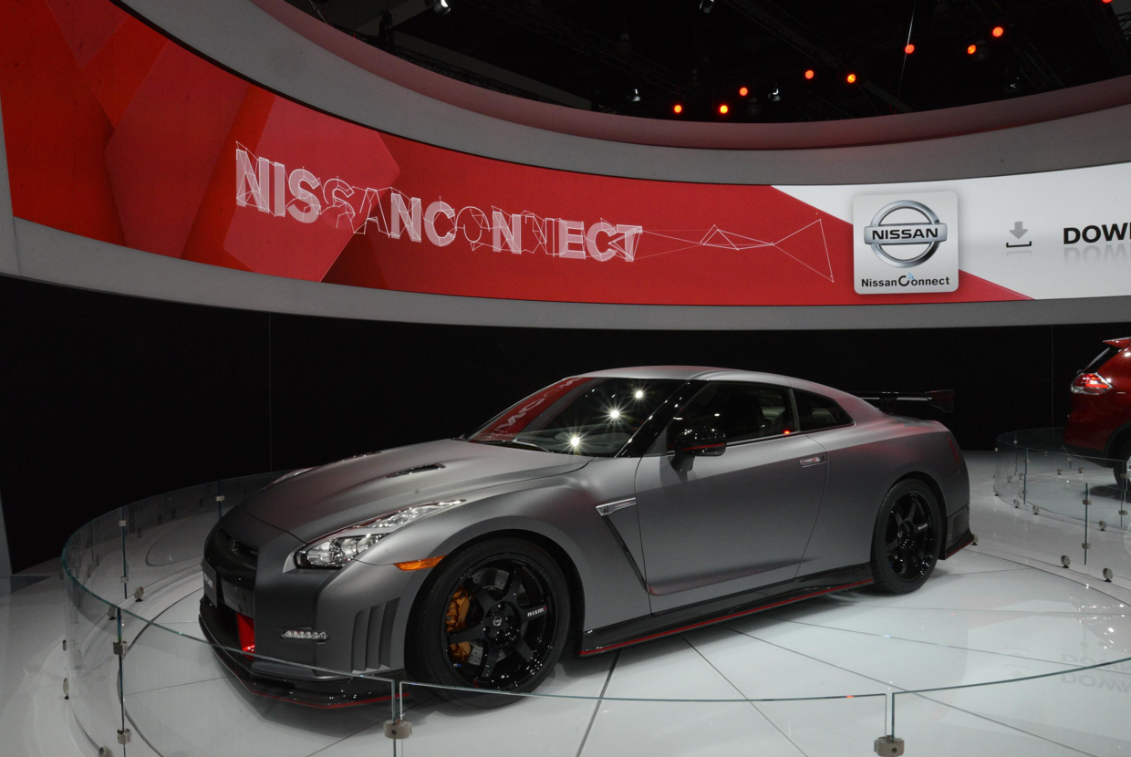 2015 nissan gt r nismo at the la auto show live photos. Black Bedroom Furniture Sets. Home Design Ideas