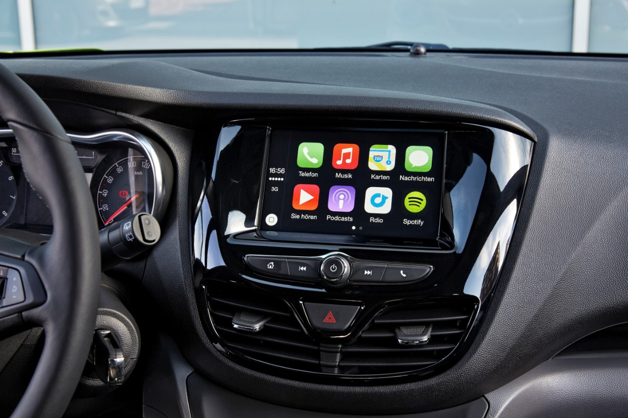 2015 opel astra k will introduce android auto and apple for Accessoire auto interieur