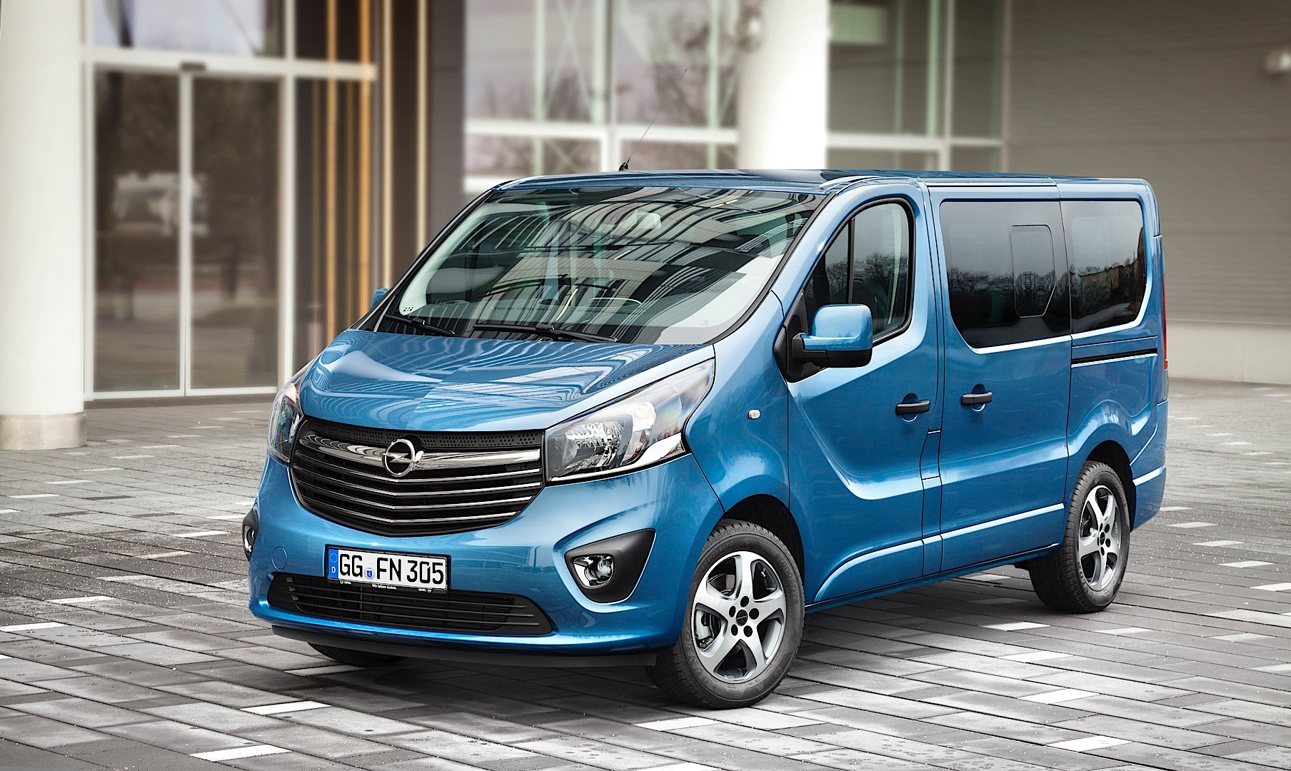 2015 opel vivaro irmscher tourer pack launched autoevolution. Black Bedroom Furniture Sets. Home Design Ideas
