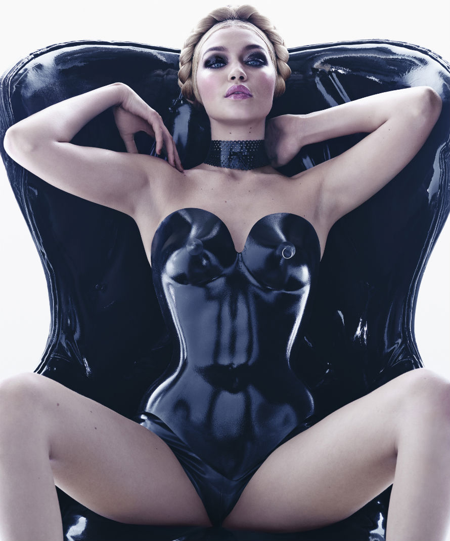2015 pirelli calendar girls latex is fashion video autoevolution