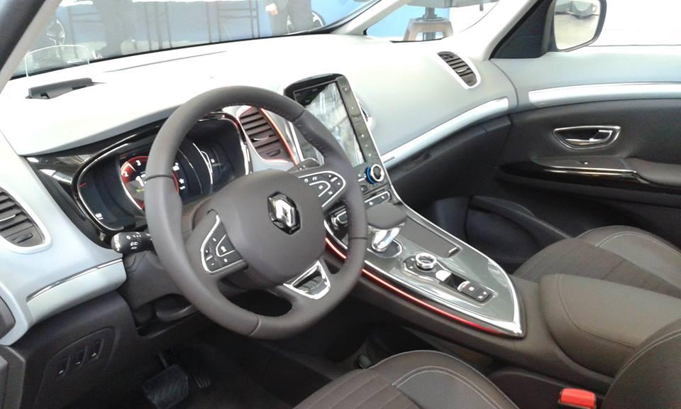 2015 Renault Espace Interior: First Photos - autoevolution