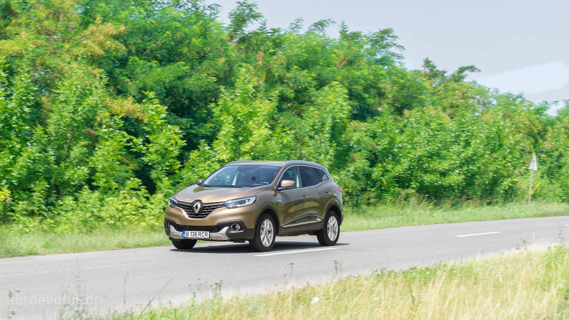 2015 renault kadjar tested better than the qashqai autoevolution. Black Bedroom Furniture Sets. Home Design Ideas