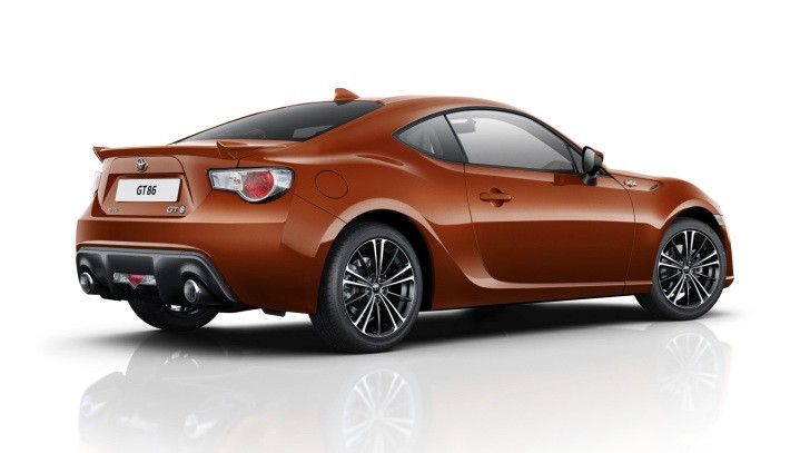 2015 Toyota GT 86 Gets Price Cut in the UK via New Entry Level Trim