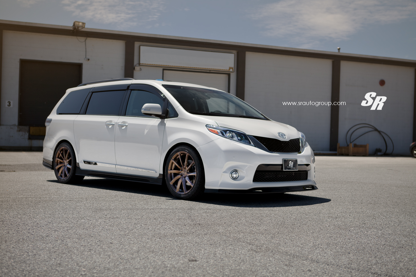 the 2015 Sienna Limited AWD and installed their favorite set of custom ...