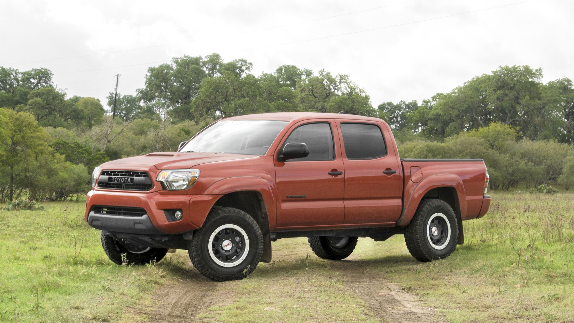 2015 toyota tacoma trd pro tested when toyota goes wild autoevolution. Black Bedroom Furniture Sets. Home Design Ideas