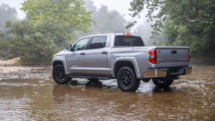 2015 toyota tundra bass pro shops off road edition breaks cover autoevolution