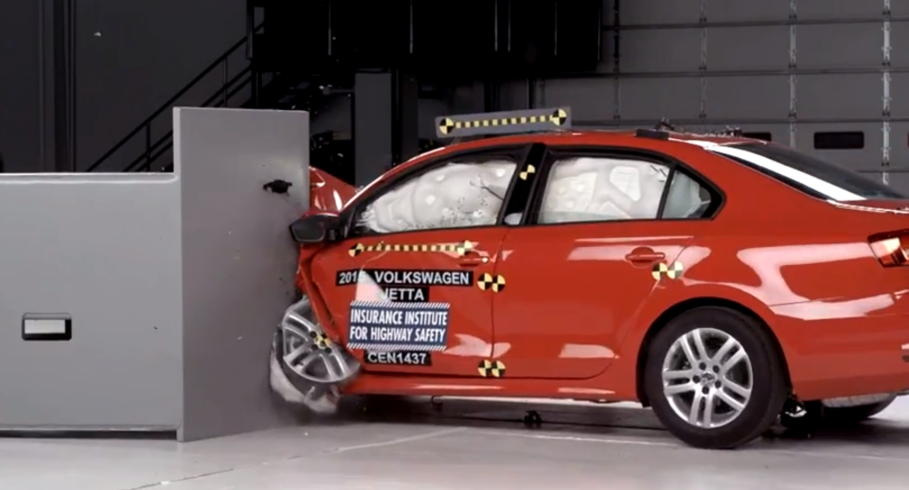 2015 Volkswagen Jetta Gets Top Safety Pick Plus Rating from IIHS - autoevolution