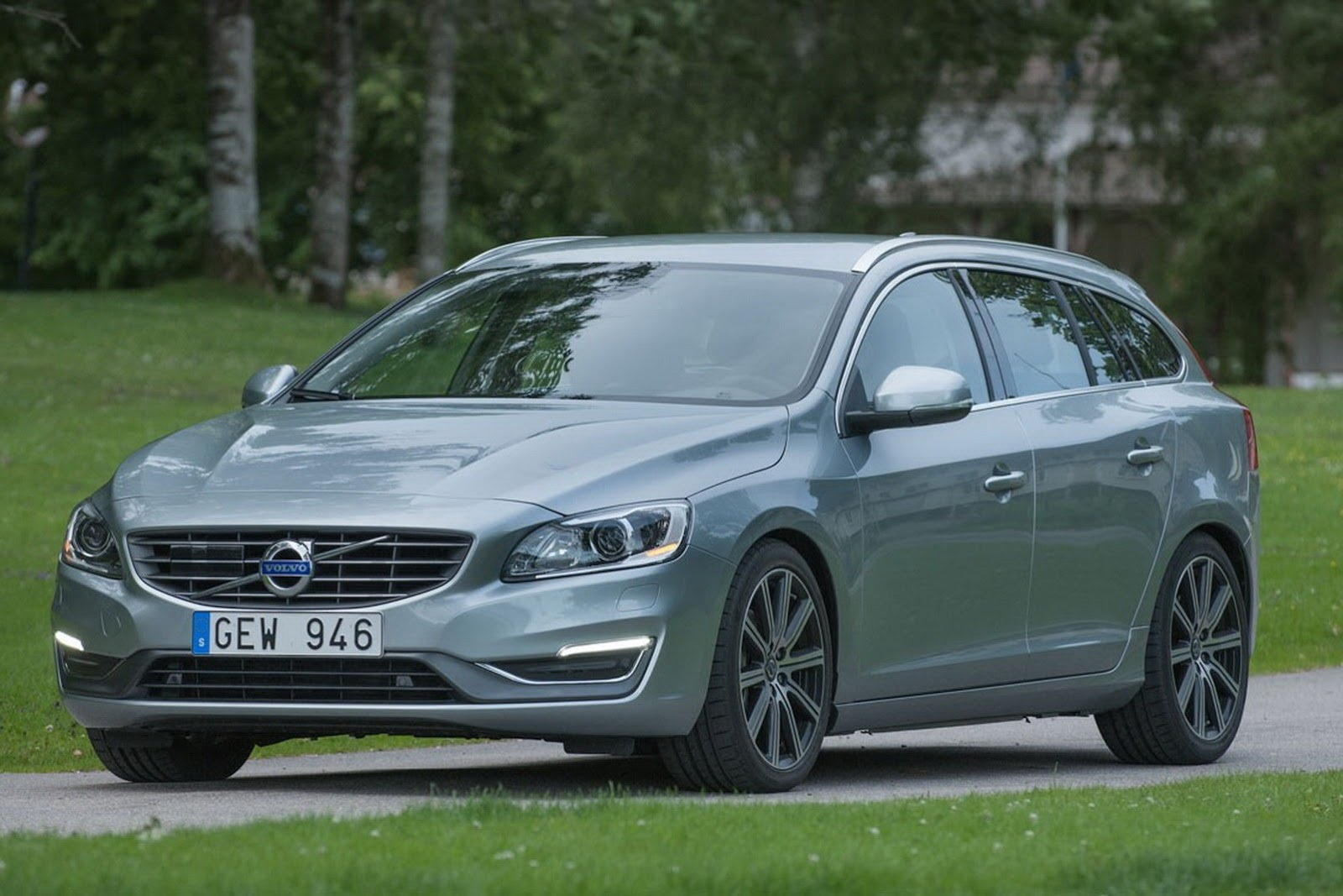 2015 volvo v60 wagon us pricing announced autoevolution. Black Bedroom Furniture Sets. Home Design Ideas