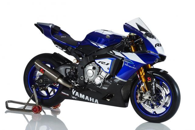 3 Photos 2015 Yamaha R1