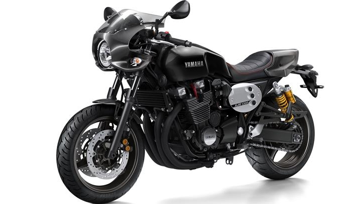 2015 yamaha xjr1300 racer sweetly harks back to past. Black Bedroom Furniture Sets. Home Design Ideas