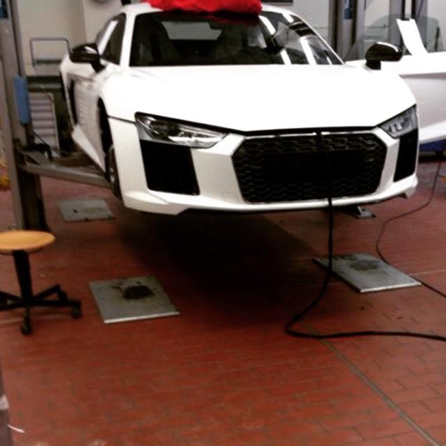 2016 Audi R8 Shows Up Camo Free Before Geneva Motor Show Debut Autoevolution