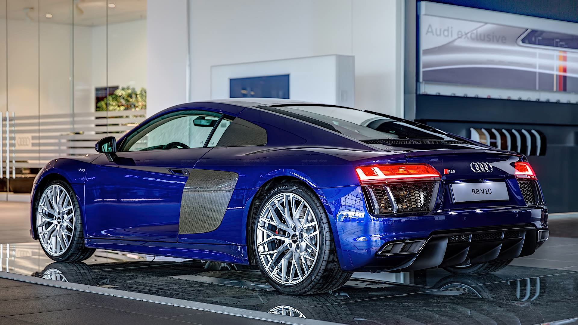 2016 Audi R8 V10 Gets Santorini Blue Paint And Havana