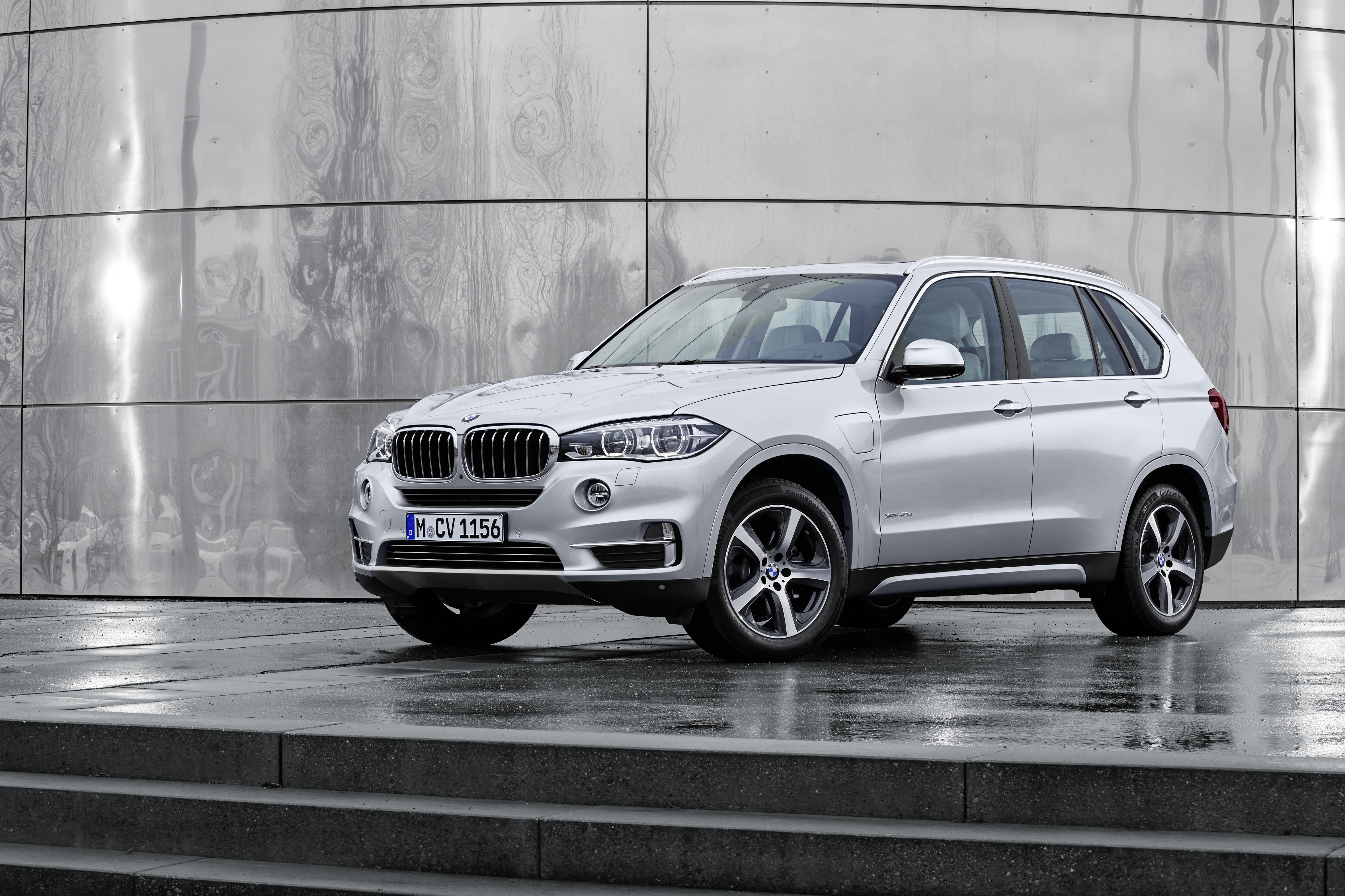 2016 bmw x5 xdrive40e priced at 63 095 in the us autoevolution. Black Bedroom Furniture Sets. Home Design Ideas