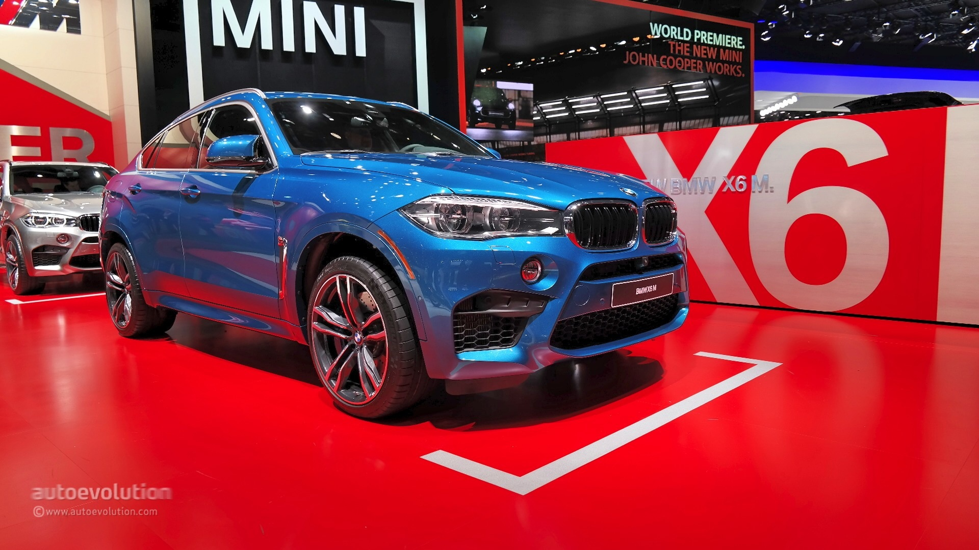 2016 Bmw X6 M Winks At The Mercedes Amg Gle63 S Coupe In Detroit