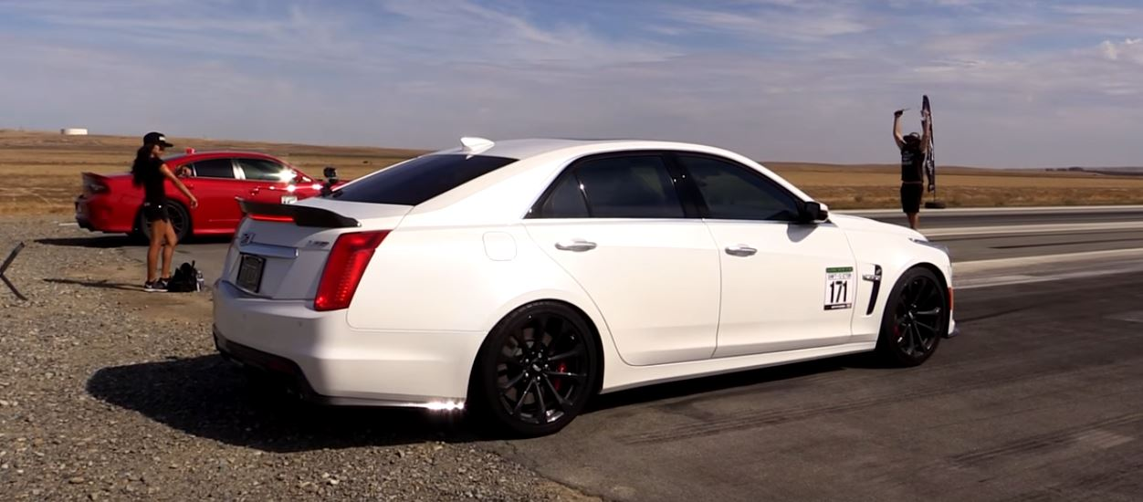 2016 Cadillac Cts V Vs 2015 Dodge Charger Hellcat Drag Race Ends In