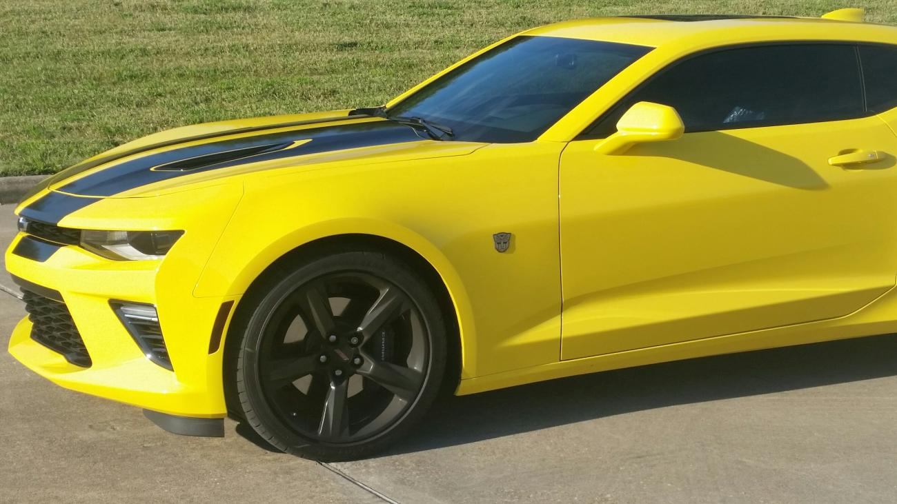 2016 camaro ss gets bumblebee visual treatment celebrates michael bay 39 s transformers 5. Black Bedroom Furniture Sets. Home Design Ideas