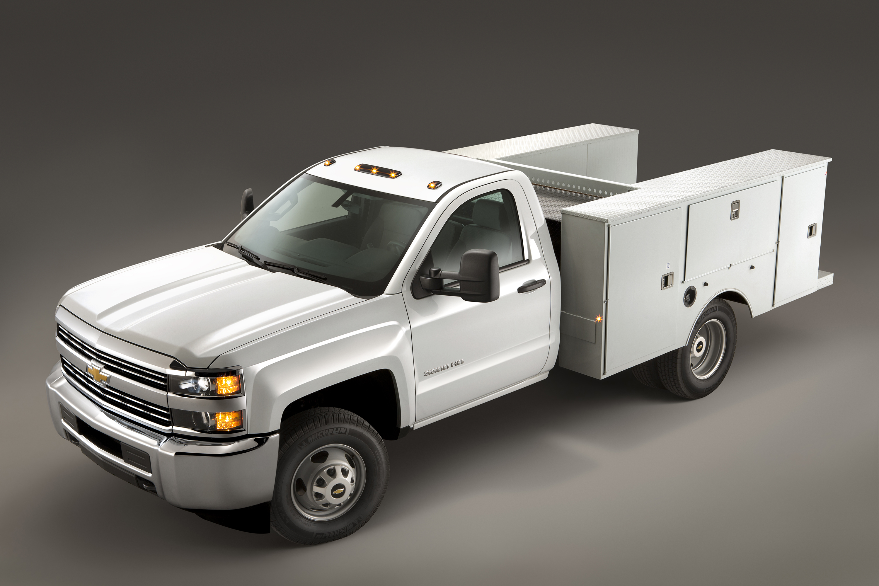 2016 Chevrolet Silverado 3500HD Chassis Cab Gets Bi-Fuel ...