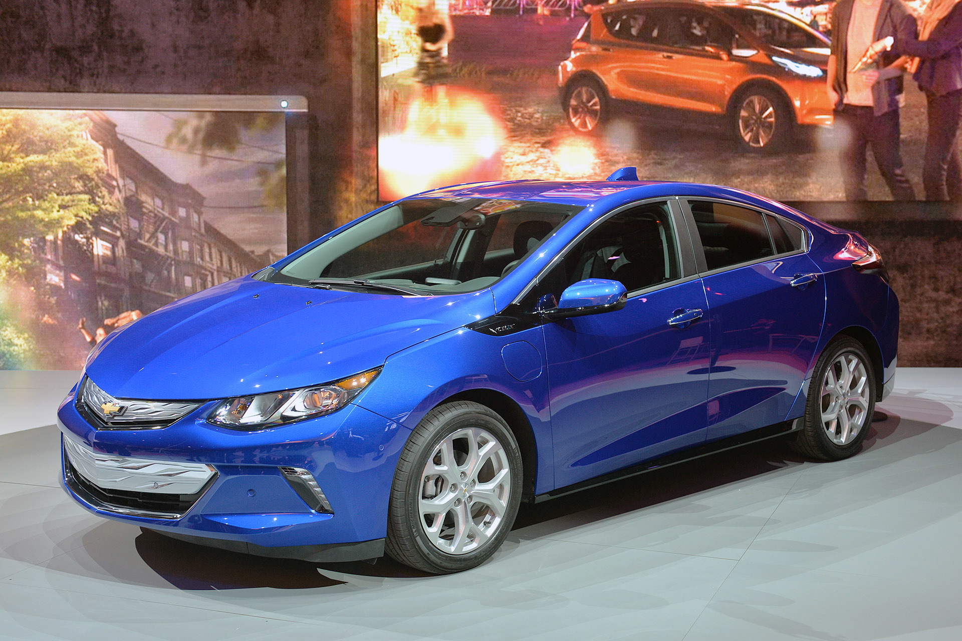 2016 Chevrolet Volt Seems Better in Every Way after First ...