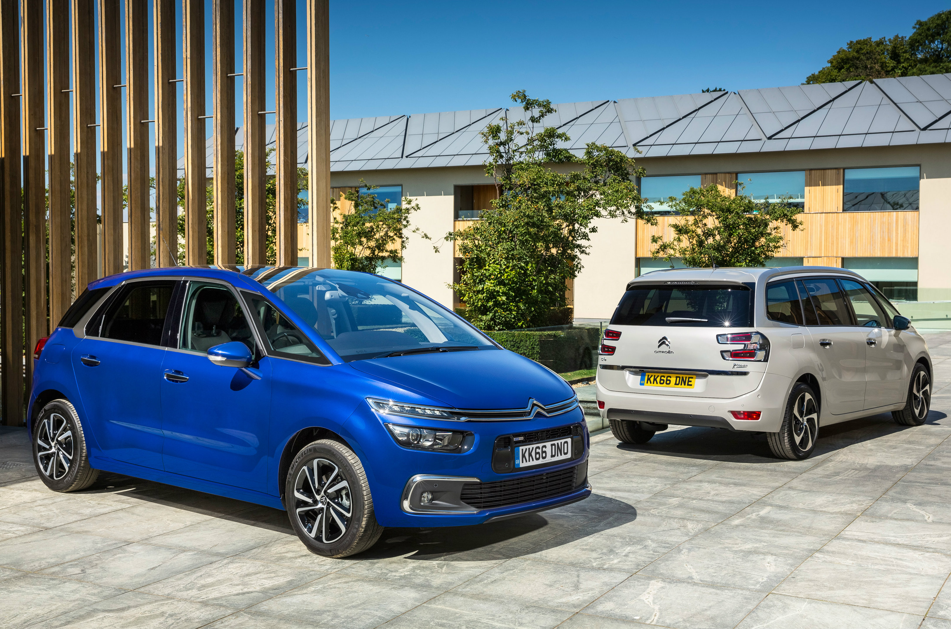 2016 citroen c4 picasso grand c4 picasso uk pricing announced autoevolution. Black Bedroom Furniture Sets. Home Design Ideas