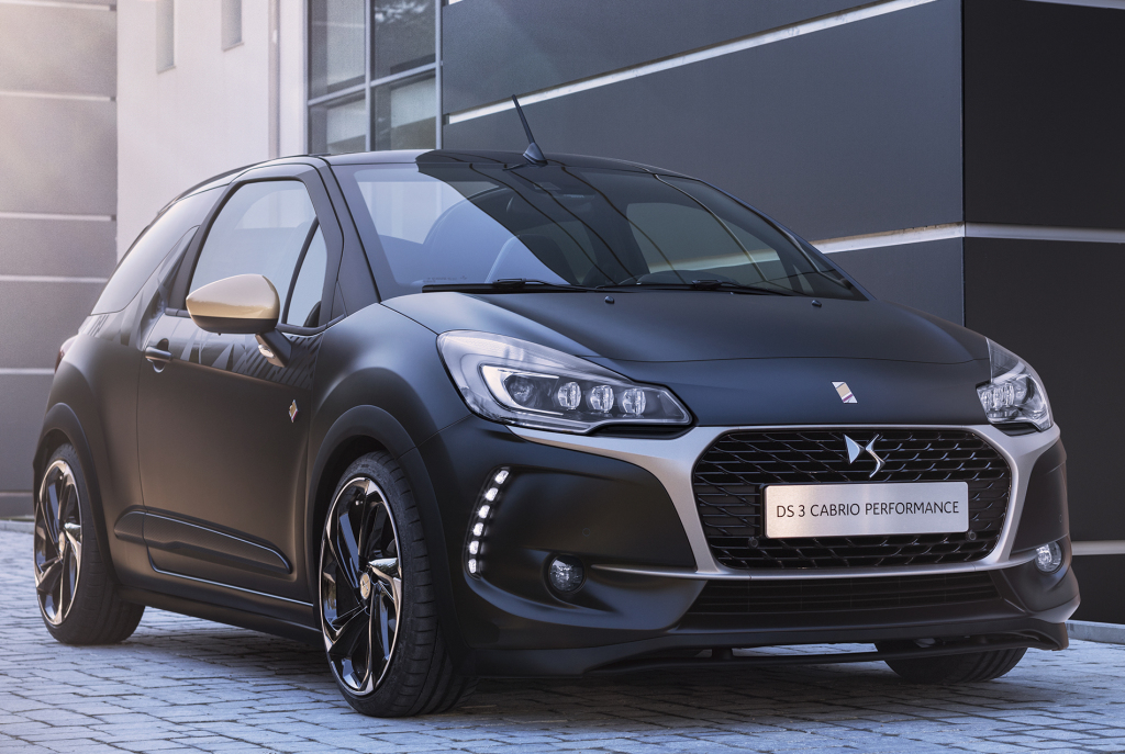 2016 ds3 cabrio performance has black paint and a 208 gti engine autoevolution. Black Bedroom Furniture Sets. Home Design Ideas