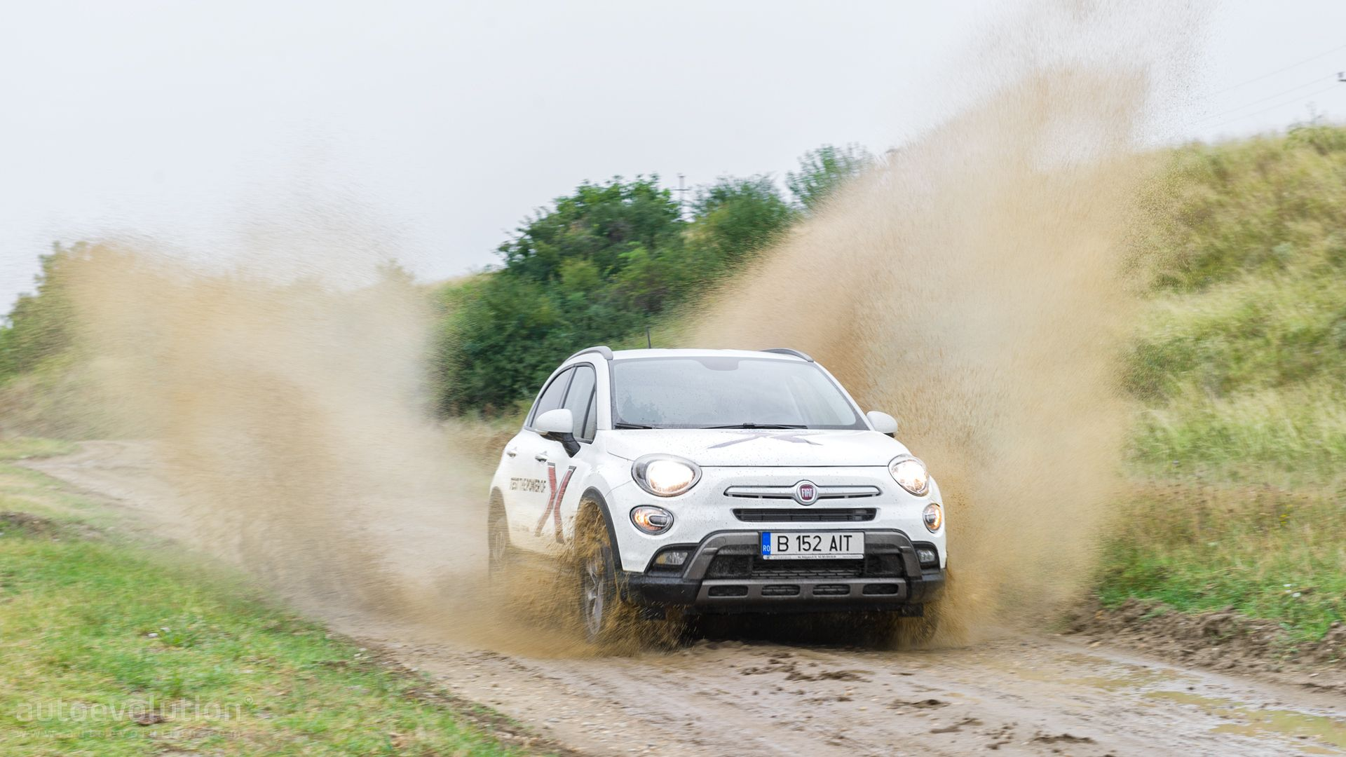 2016 Fiat 500x Hd Wallpapers The 500 Family Gets An