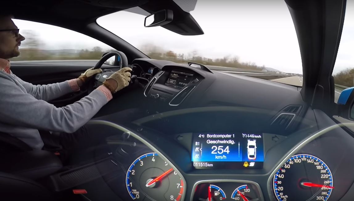 2016 ford focus rs with ego-x exhaust delivers autobahn top speed