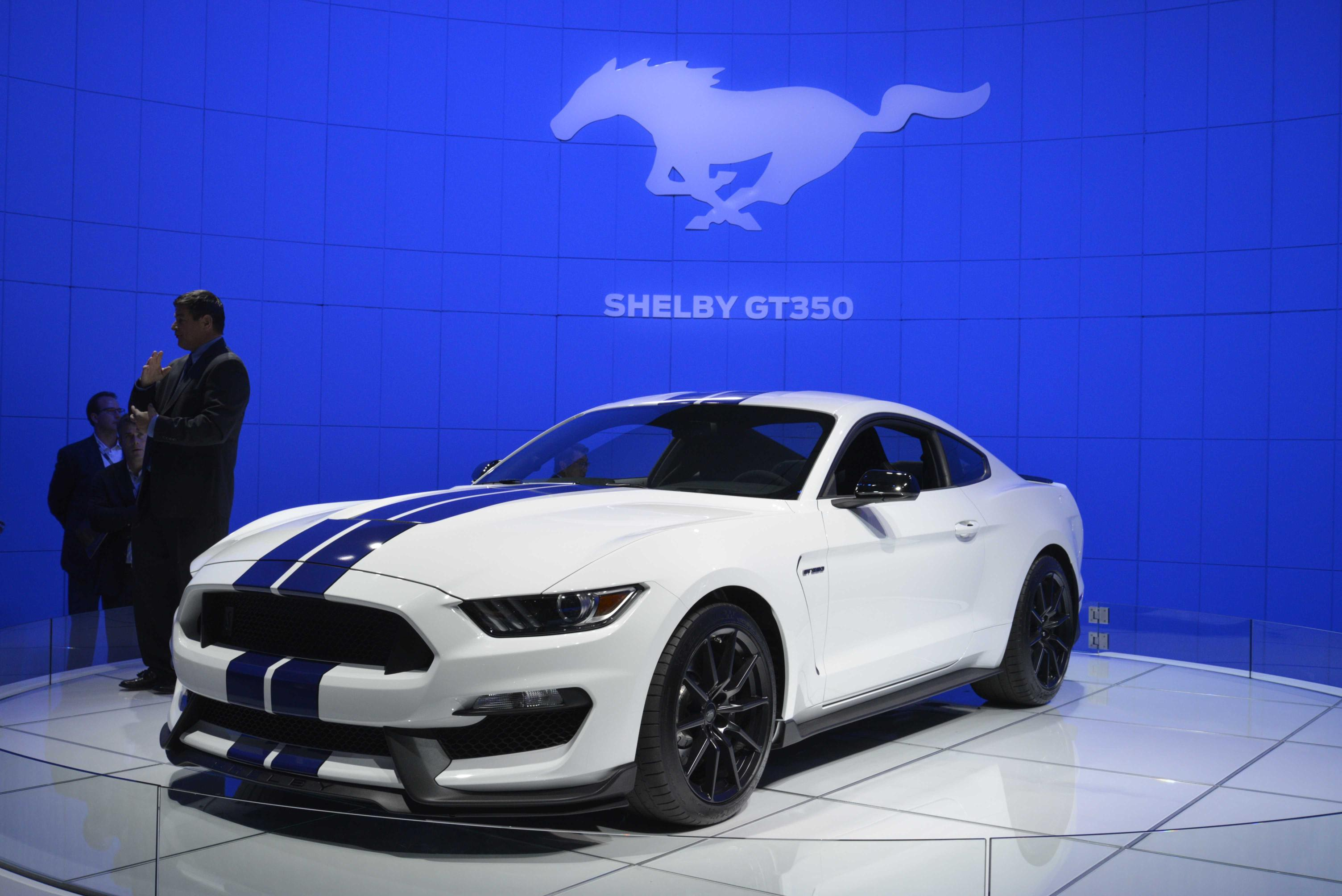 pricing for the 2016 ford mustang shelby gt350 and gt350r 4 photos