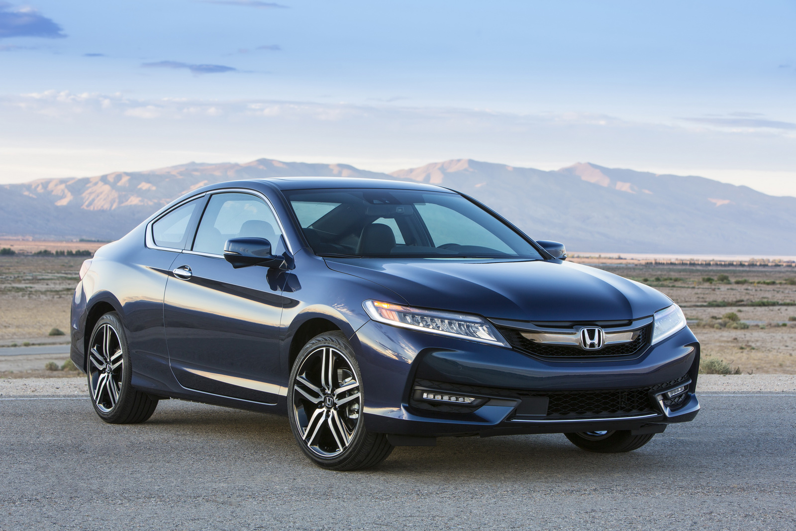 2016 honda accord coupe facelift holds both visual and mechanical upgrades autoevolution. Black Bedroom Furniture Sets. Home Design Ideas