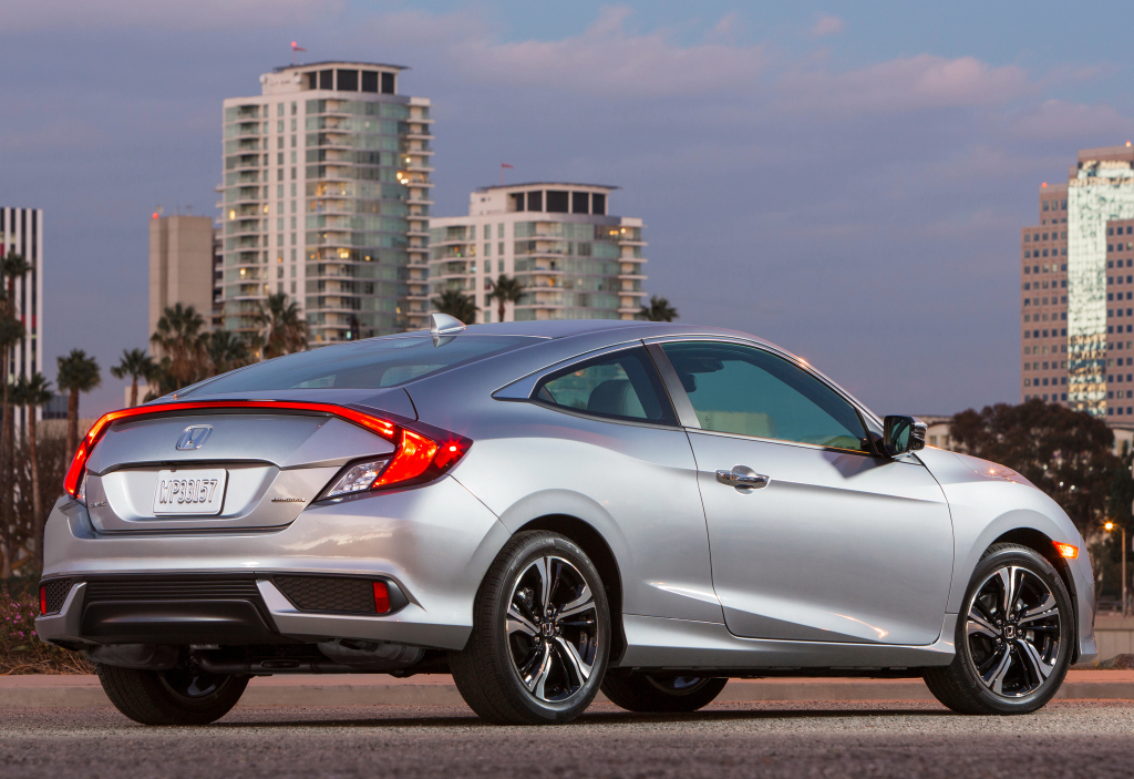 2016 honda civic coupe priced at 19 885 410 more than the sedan autoevolution. Black Bedroom Furniture Sets. Home Design Ideas