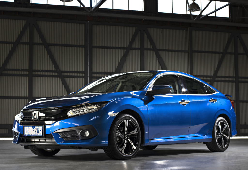 2016 honda civic sedan gets 1 8l in australia  hatch and