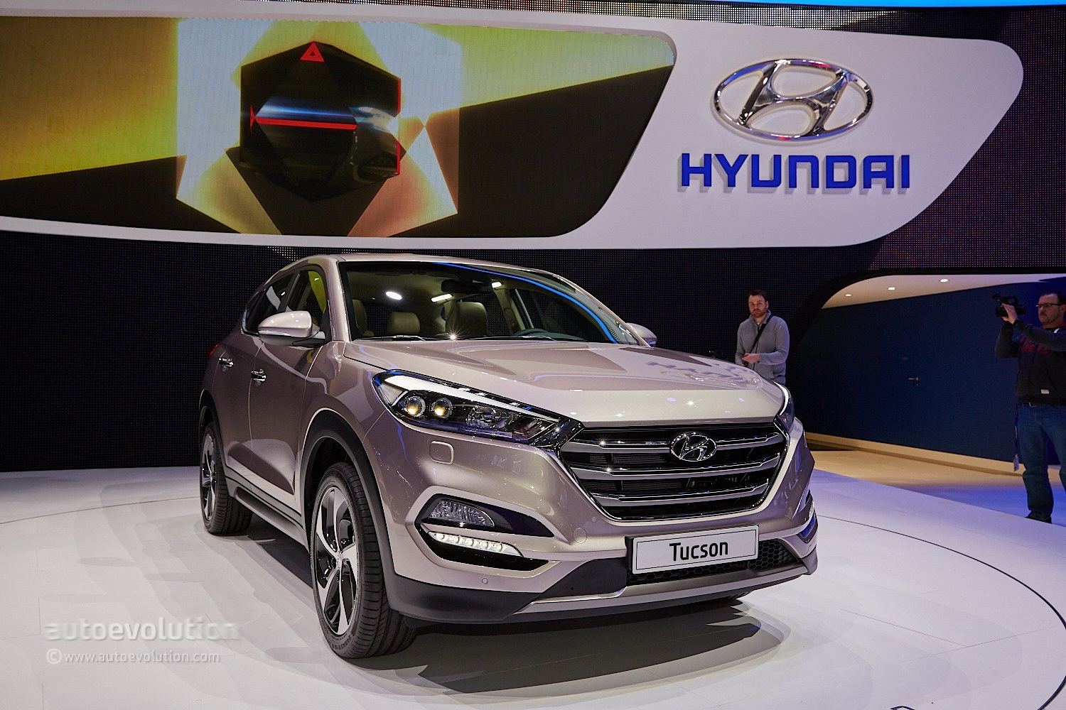 2016 hyundai tucson debuts in geneva with 48v hybrid and phev engines autoevolution. Black Bedroom Furniture Sets. Home Design Ideas