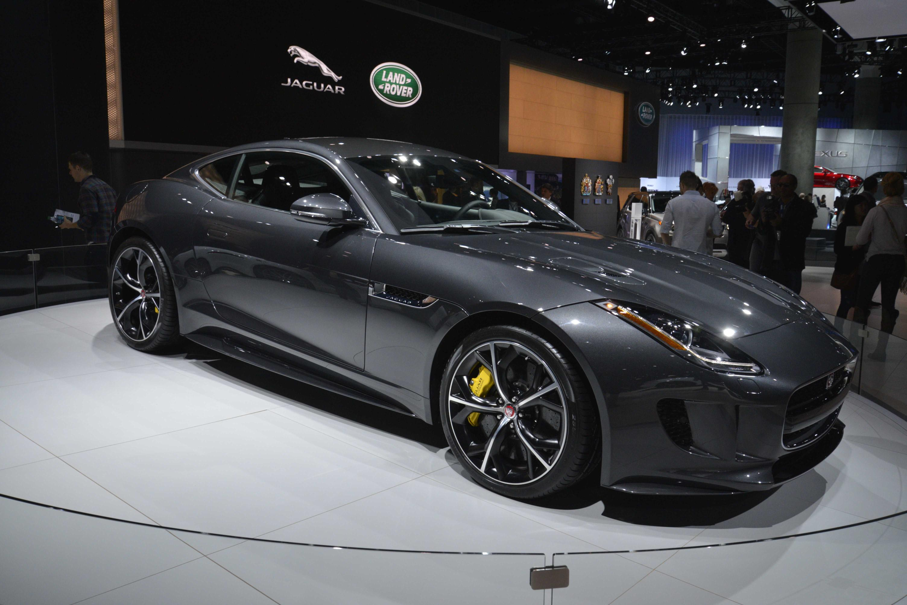 2016 jaguar f type debuts in la with awd and manual gearbox video autoevolution. Black Bedroom Furniture Sets. Home Design Ideas