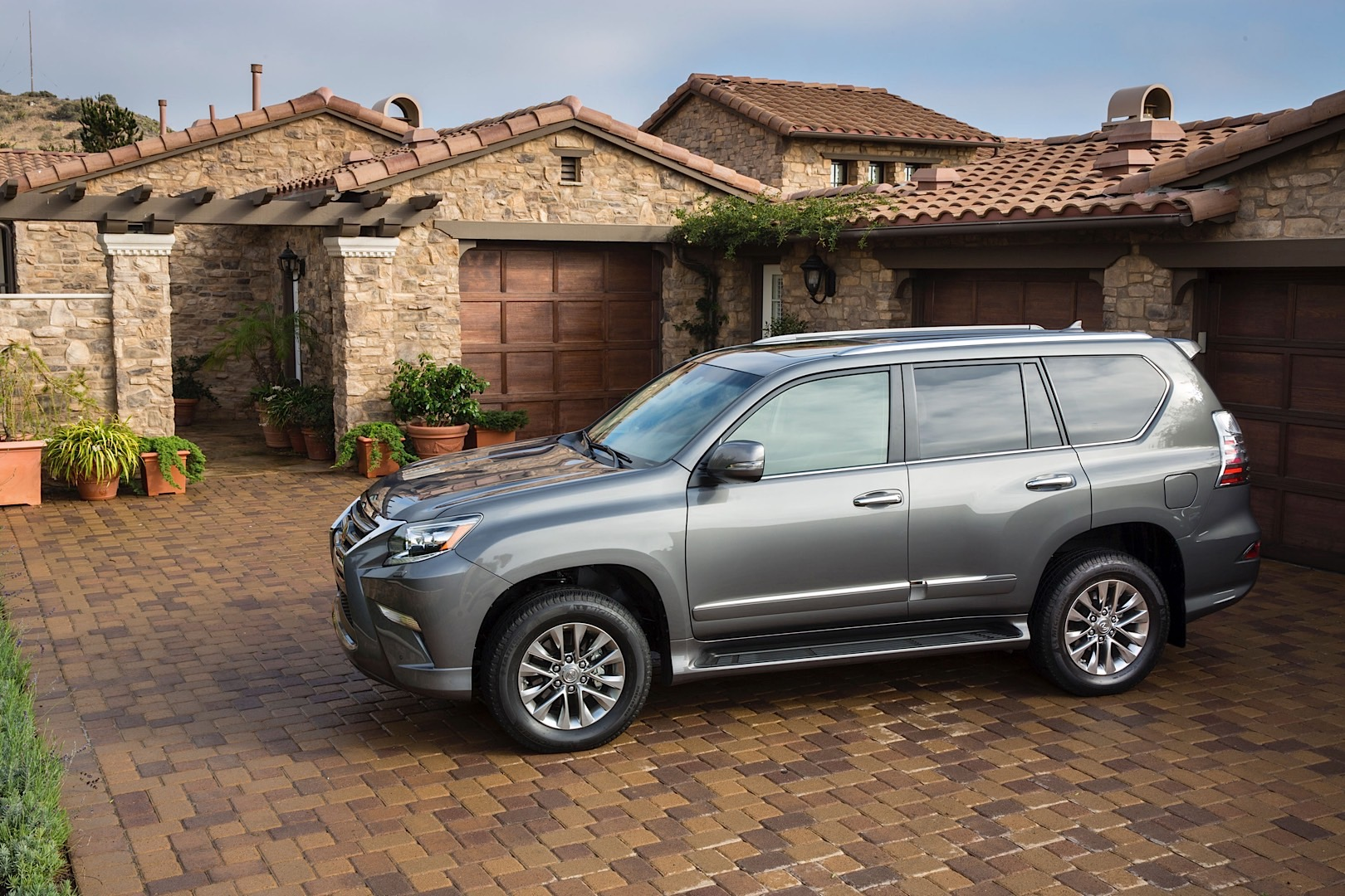 2016 Lexus GX 460 and CT 200h Receive Enform Remote and Minor