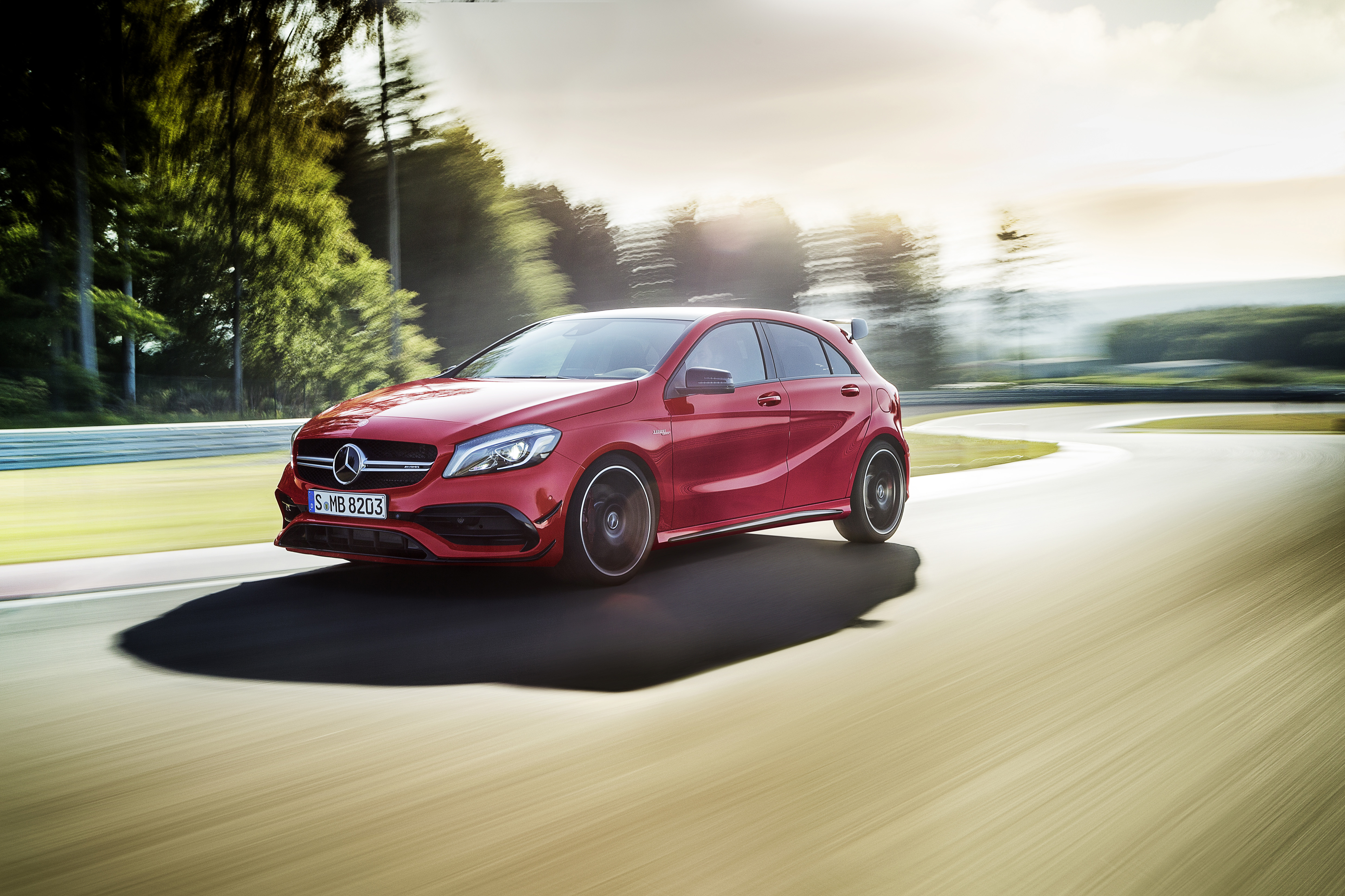 2016 mercedes a class facelift pricing revealed amg a45 4matic hot hatch starts at 51 051. Black Bedroom Furniture Sets. Home Design Ideas