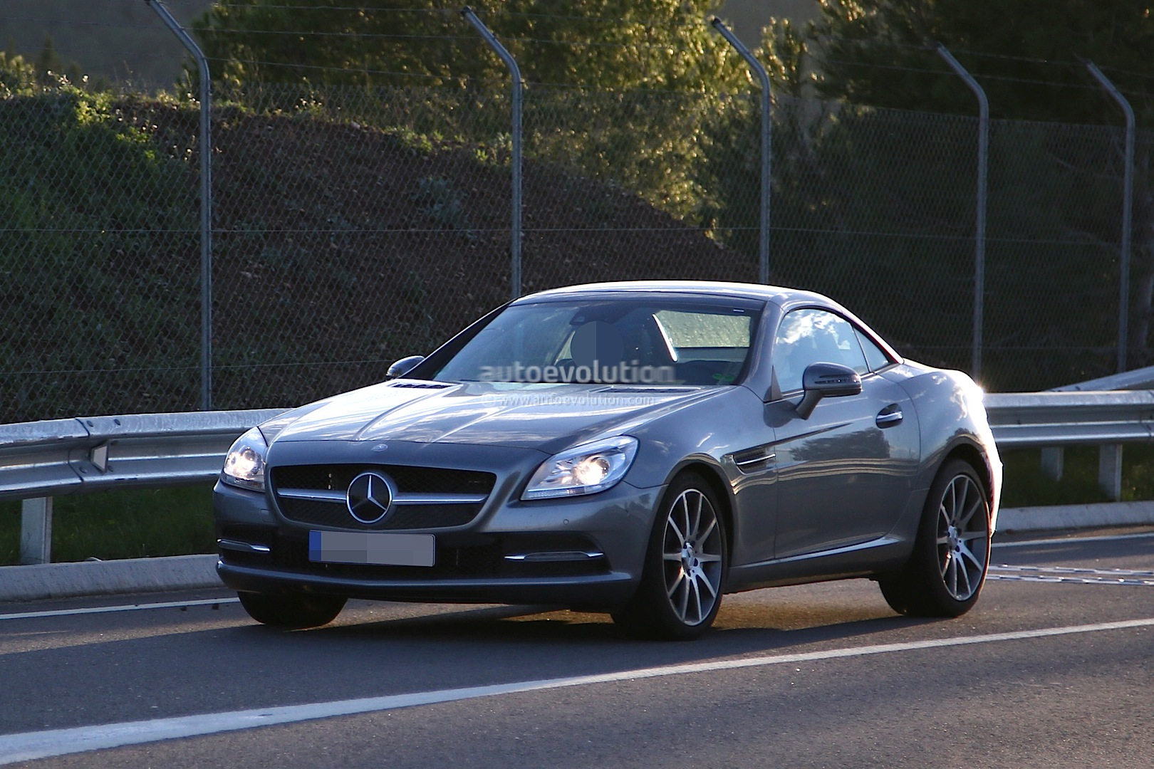 2016 mercedes benz slc is a mid cycle facelift for the slk for Mercedes benz news