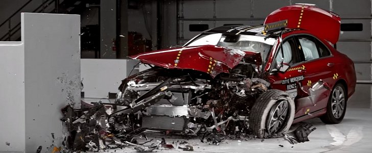 2016 mercedes c class crashed by iihs a top safety pick despite. Black Bedroom Furniture Sets. Home Design Ideas