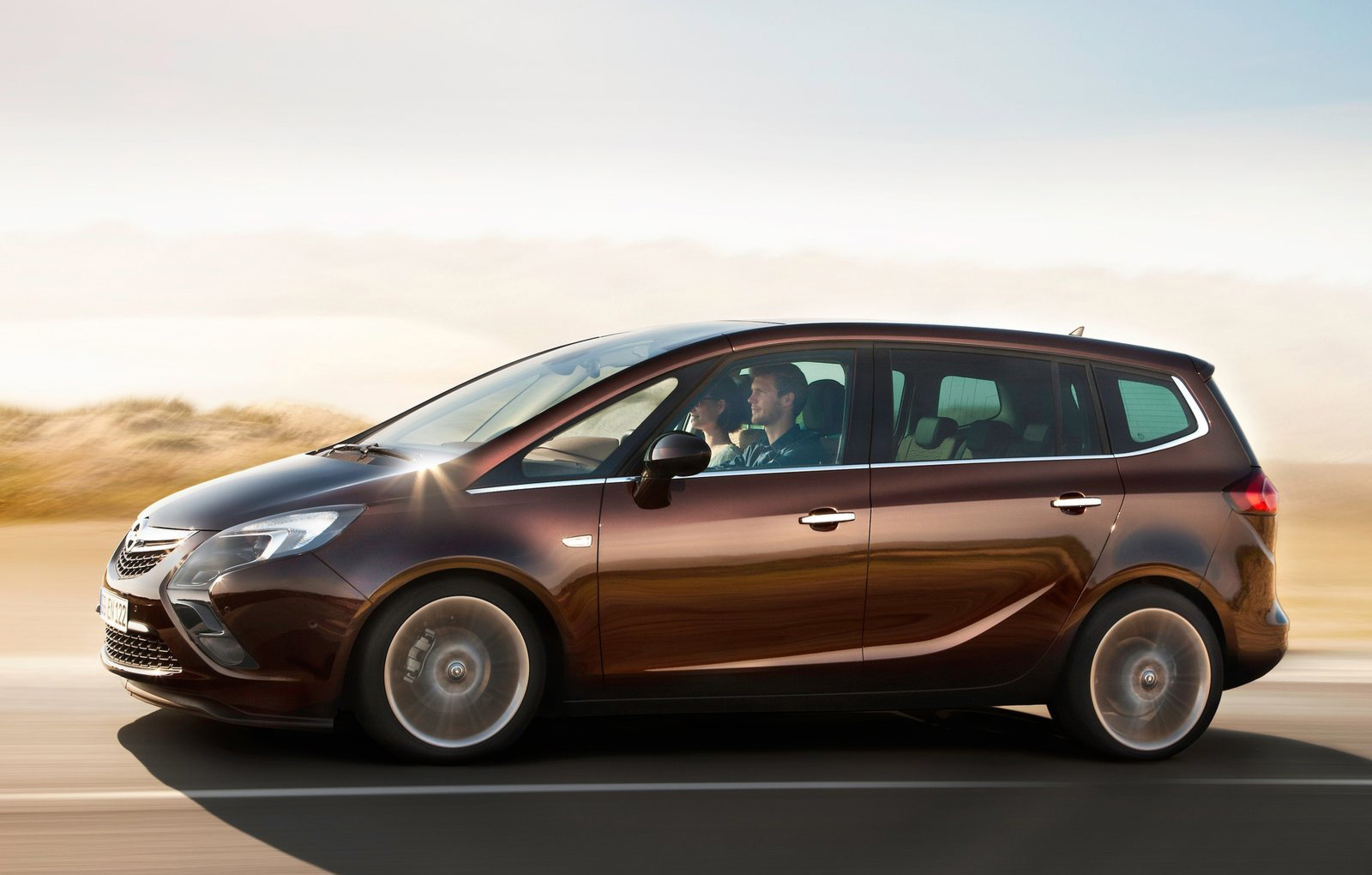 New Opel Zafira 2018 >> 2016 Opel Zafira Will Be Built in France at Peugeot Factory - autoevolution