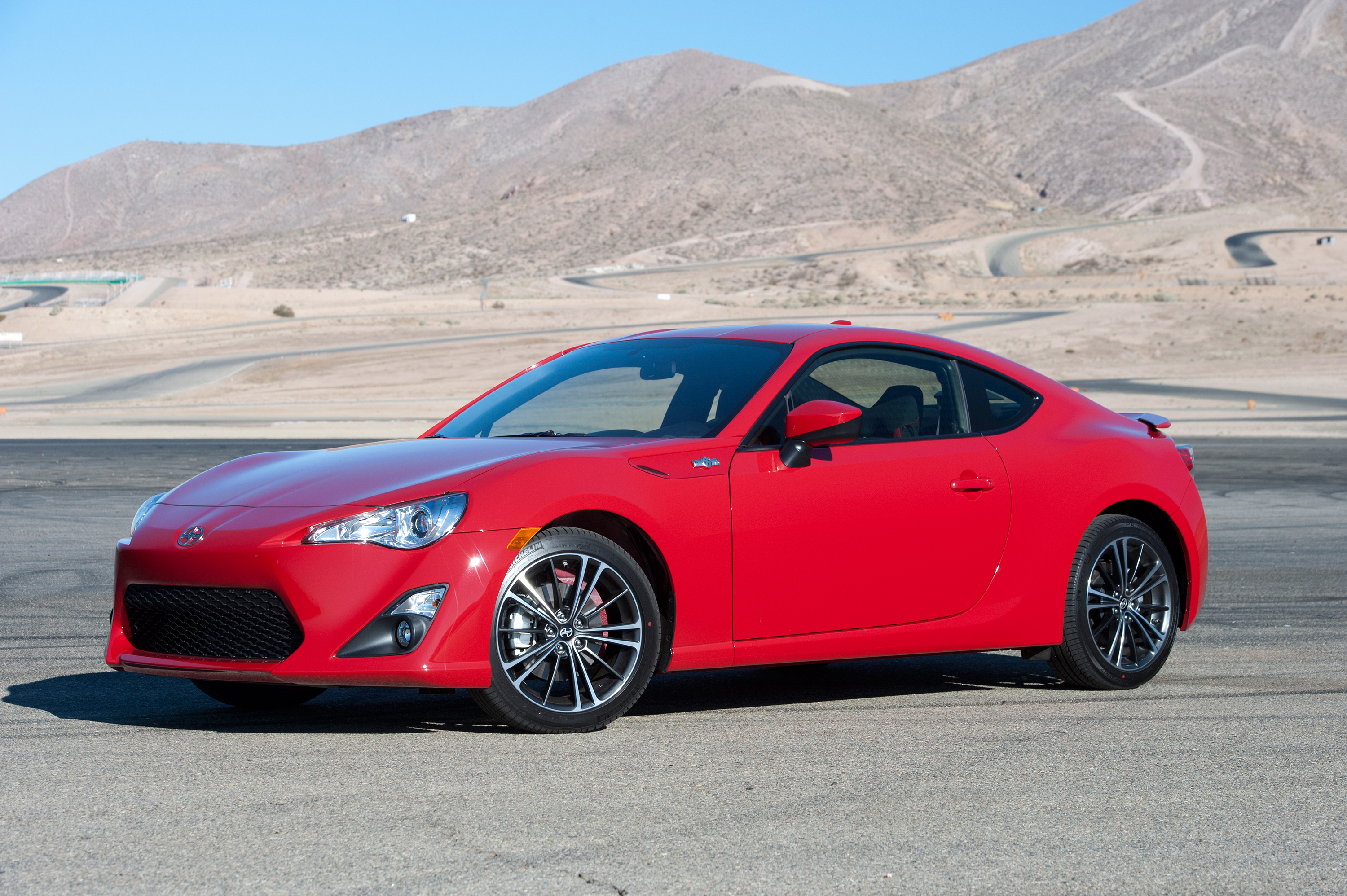 2016 scion fr s launched with minor upgrades autoevolution. Black Bedroom Furniture Sets. Home Design Ideas