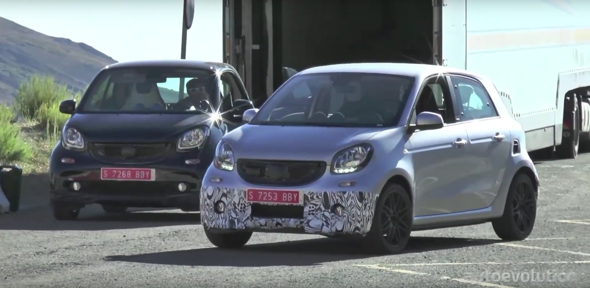 2016 smart forfour brabus mini rocket spied stretching its legs in spain autoevolution. Black Bedroom Furniture Sets. Home Design Ideas