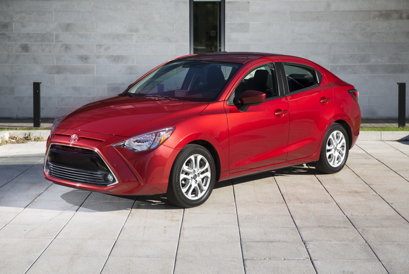 2016 Toyota Yaris Sedan 47 Photos