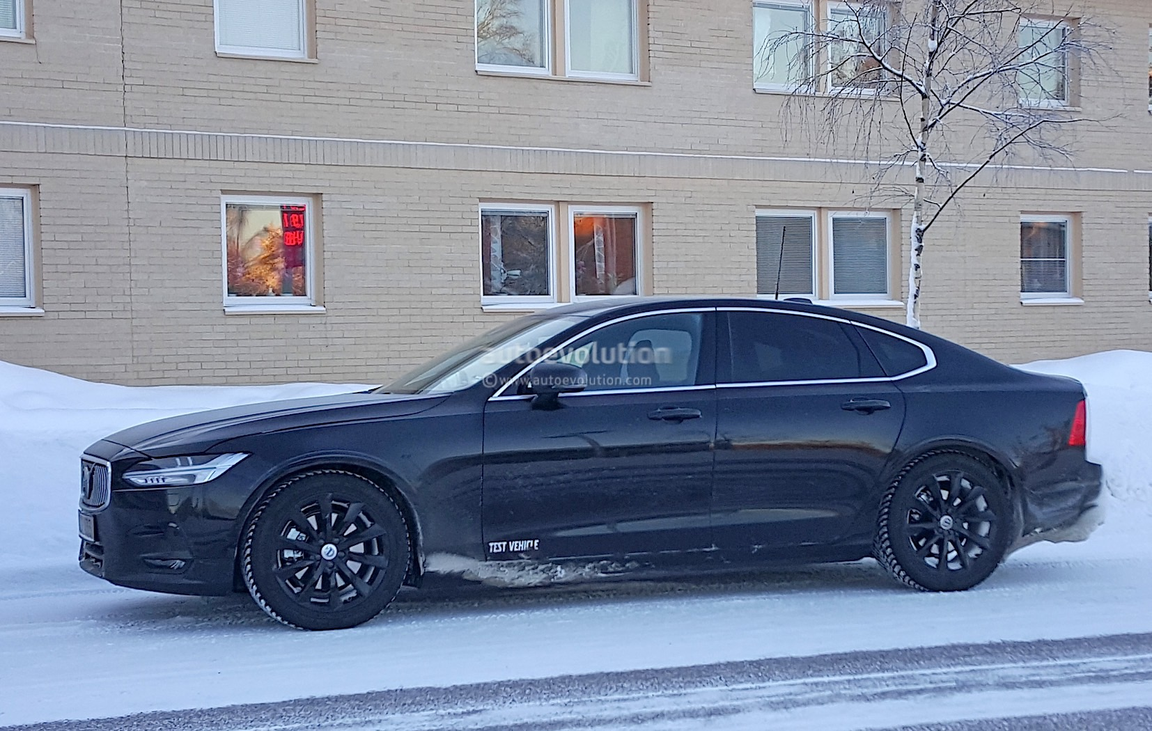 2016 volvo s90 r design spied without any disguise autoevolution. Black Bedroom Furniture Sets. Home Design Ideas