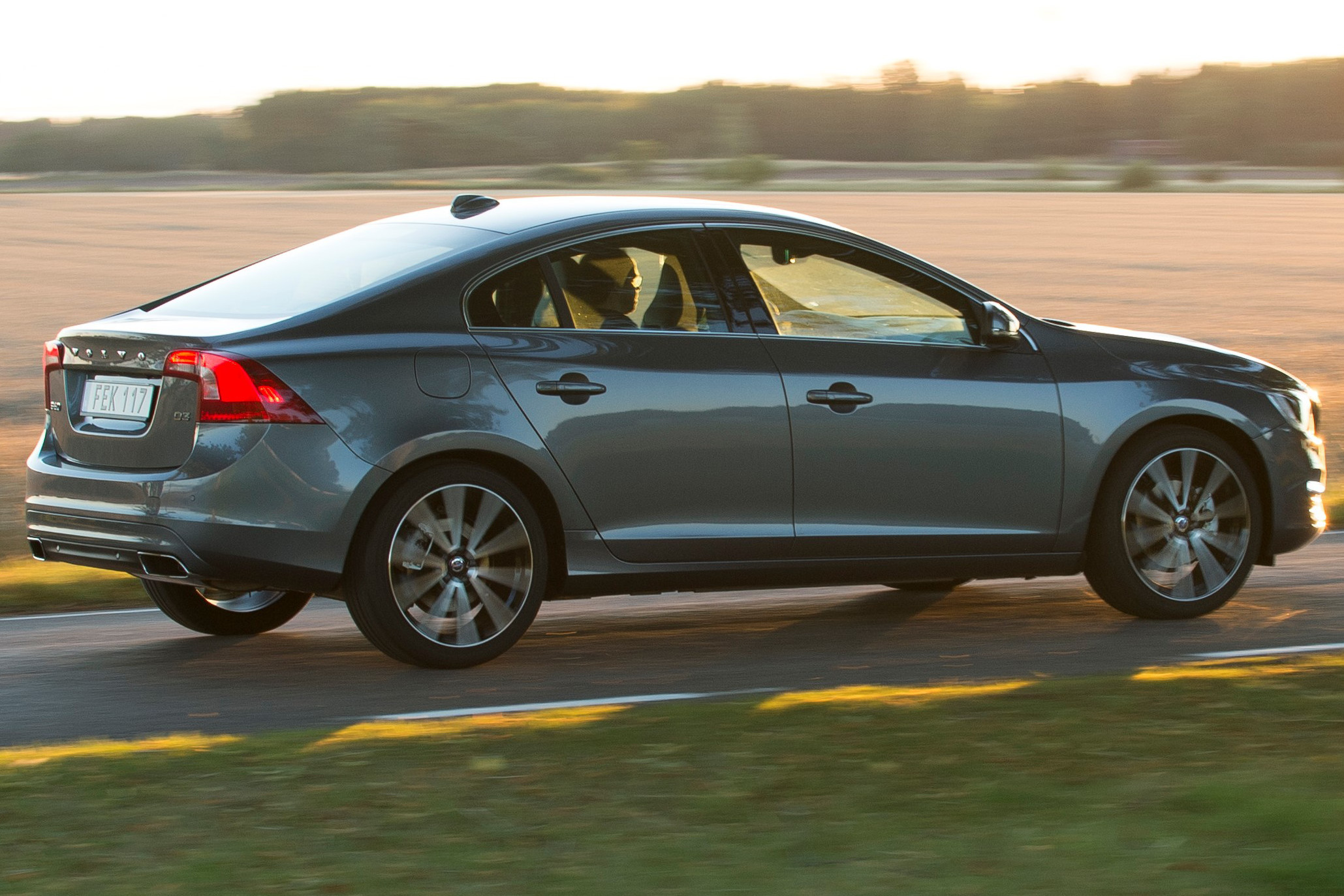2016 volvo updates announced new t6 awd for s60 v60 and. Black Bedroom Furniture Sets. Home Design Ideas