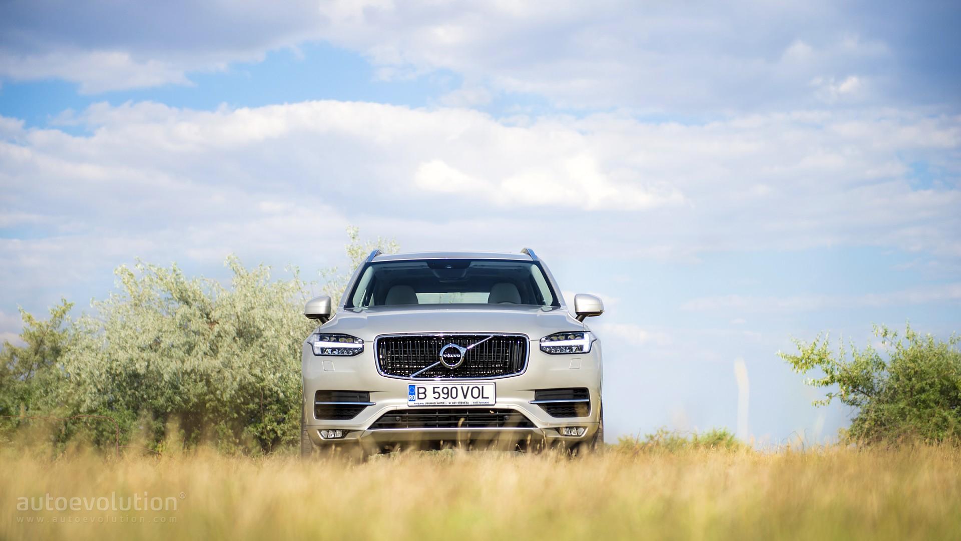 Внедорожник Volvo XC90 белая скачать